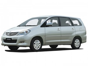 Cho thuê xe tháng Toyota Innova 7 chỗ giá tốt